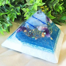 Orgonite pyramids small